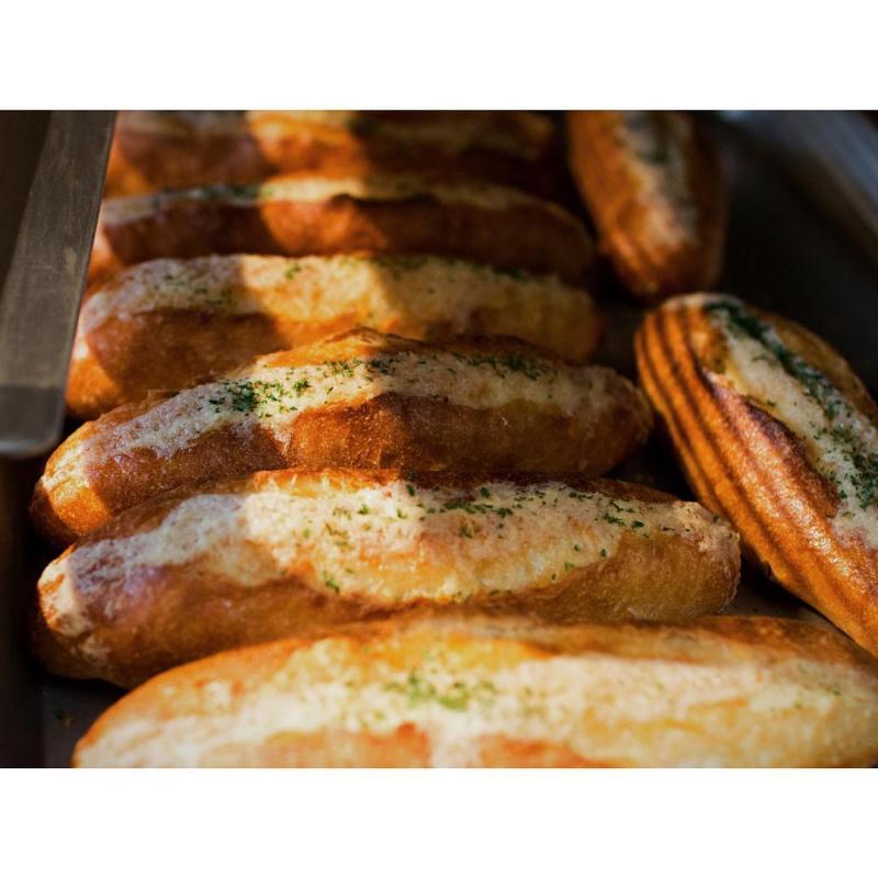 ガーリックフランス   OPAN オパン 東京 笹塚のパン屋