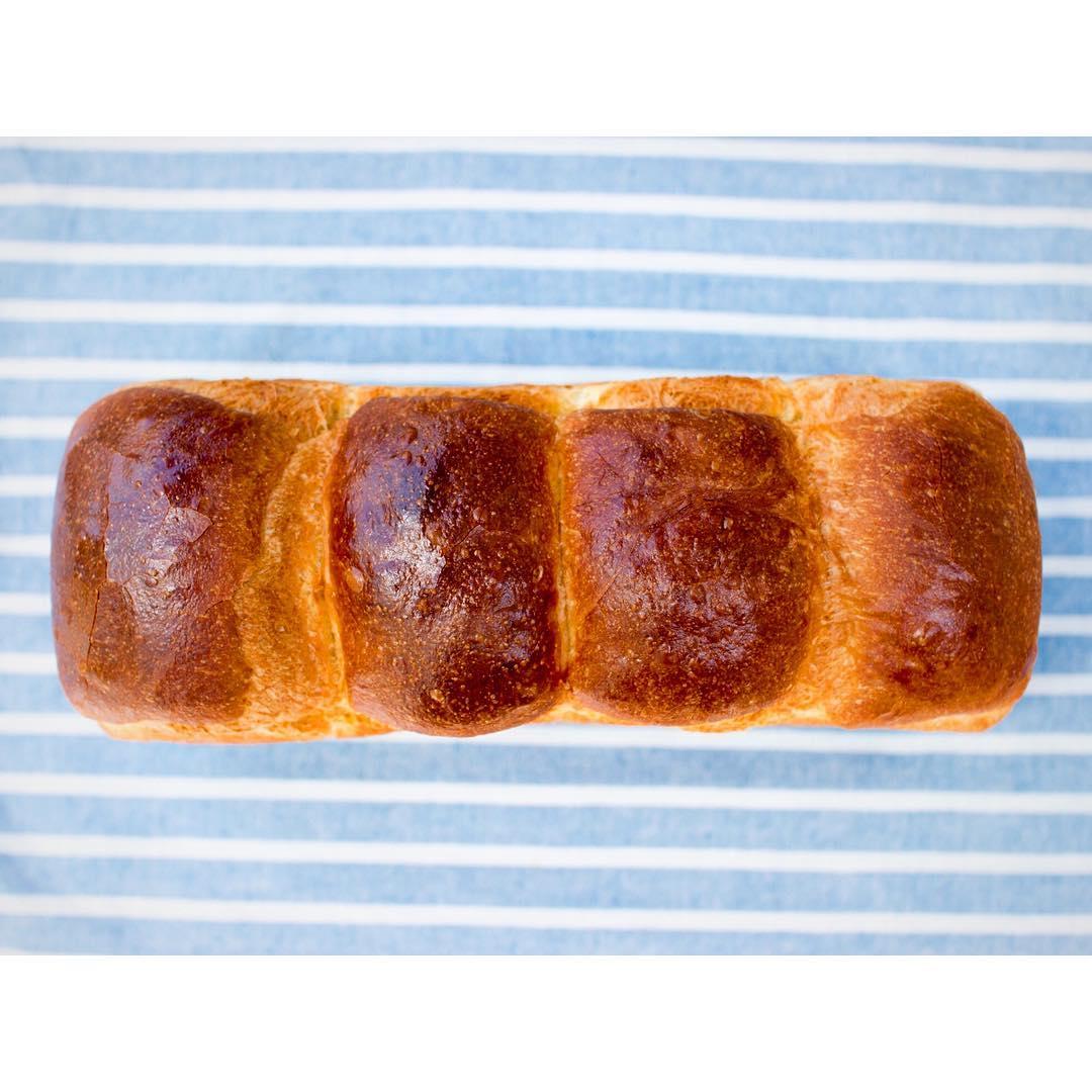 山型食パン、角食共に2斤売り(1本長いまま)も販売しております | OPAN オパン|東京 笹塚のパン屋