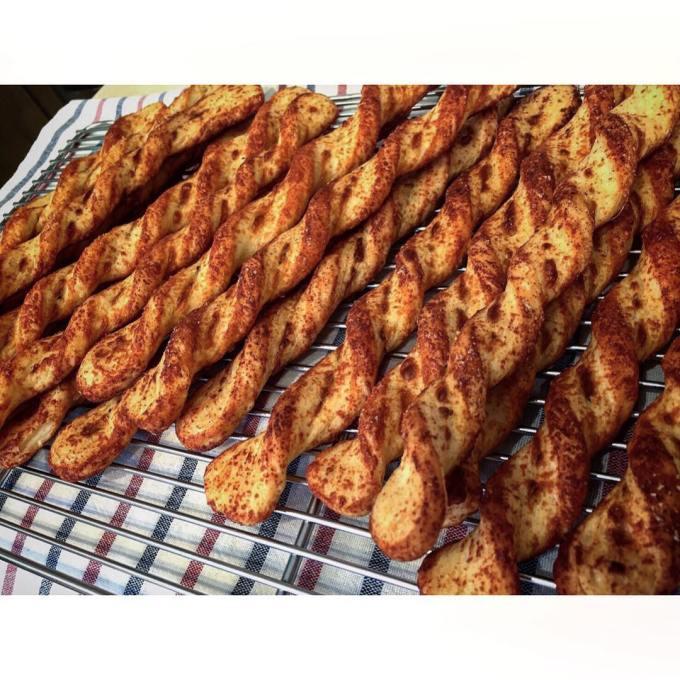 オパンのグリュイエールチーズ ねじねじ | OPAN オパン|東京 笹塚のパン屋