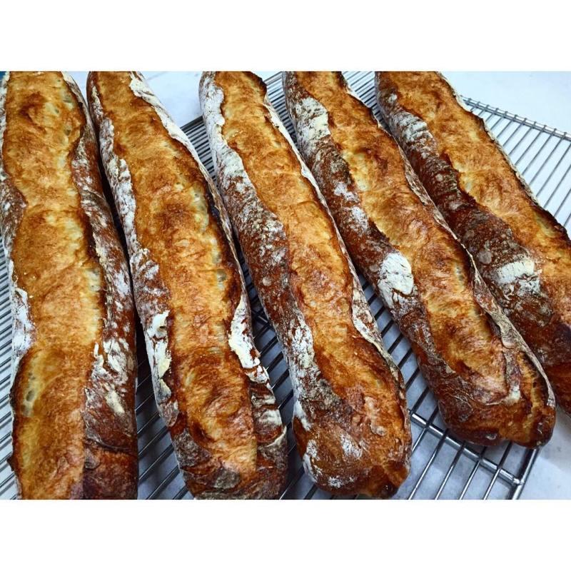 オパンのバゲット | OPAN オパン|東京 笹塚のパン屋