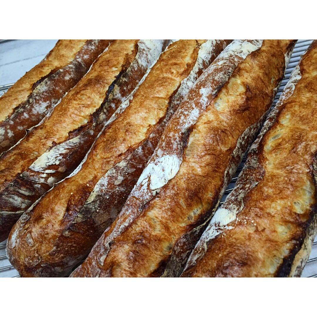 オパンのバゲット   OPAN オパン 東京 笹塚のパン屋