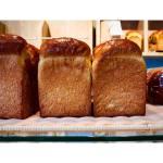 サンドイッチ用の食パンは、山型・角型?