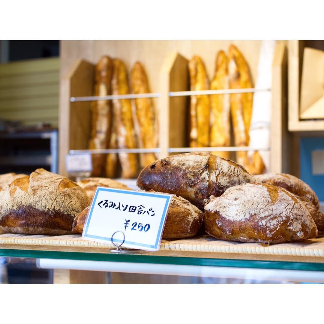 オパンのくるみ入り田舎パン   OPAN オパン 東京 笹塚のパン屋
