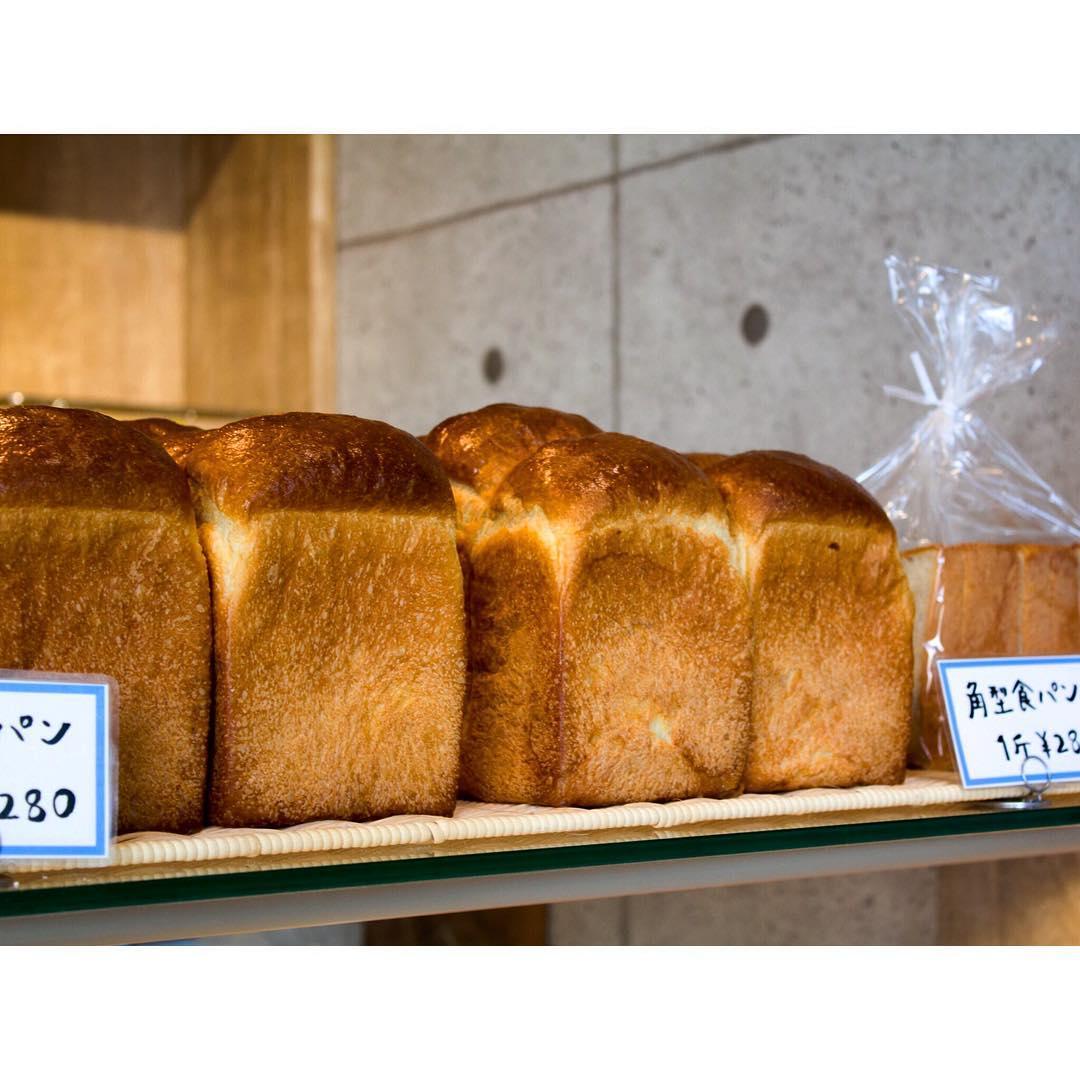オパンの山型食パン、角型食パン(2016.10.19)   OPAN オパン 東京 笹塚のパン屋