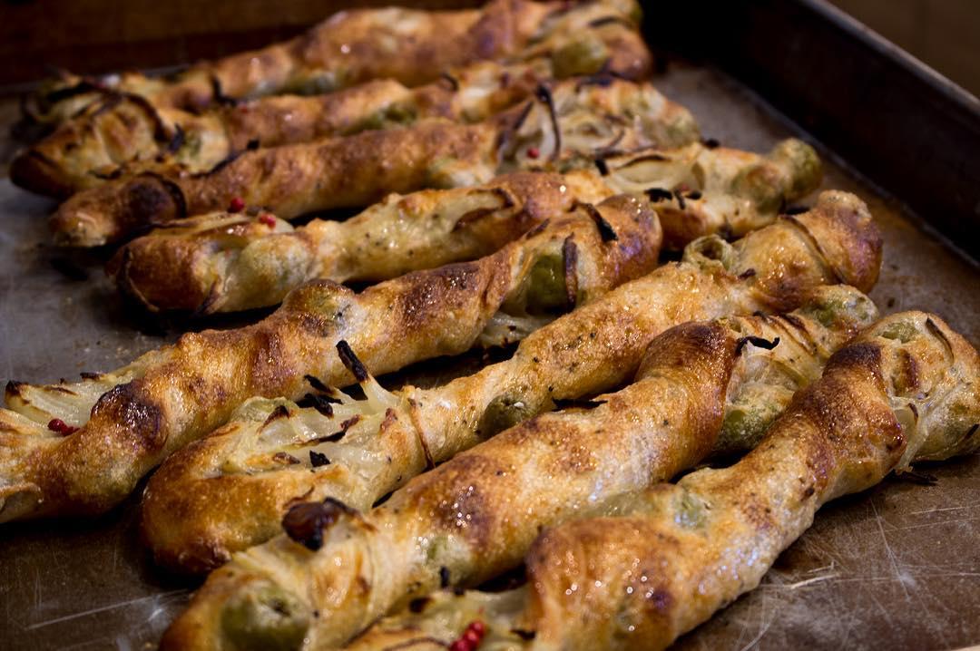 オパンの玉ねぎとオリーブのフランスパン(2017.02.10)