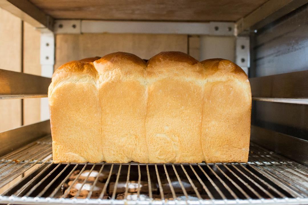 オパンの山型食パン、角型食パン(2019.04.22)