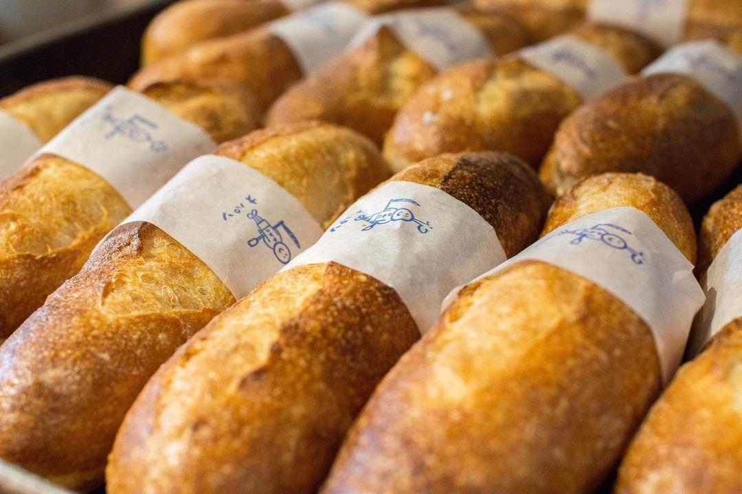 オパンドッグ、ミルクフランスたくさん焼き上げていっております(2021.05.07)