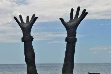 mains tendues vers le ciel, citations aimé césaire