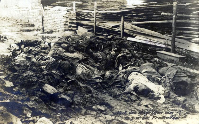 Leichen nach der Schlacht von Fromelles (19.-21.07.1916)