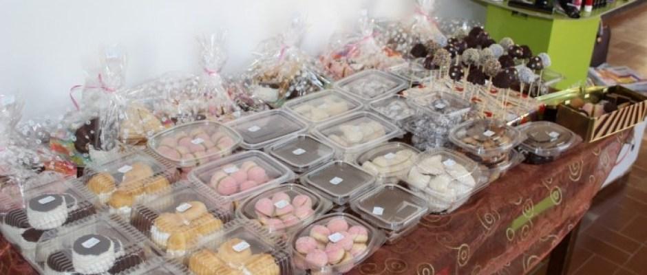 U Bosanskoj Krupi počeo Novogodišnji sajam: Rekordan broj izlagača i bogata ponuda proizvoda