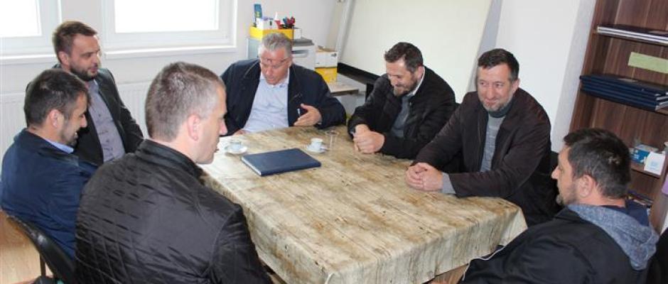 """Načelnik Armin Halitović obišao privremeni objekt škole u Pištalinama: """"Zadovoljan sam uslovima u kojima se pohađa nastava"""""""