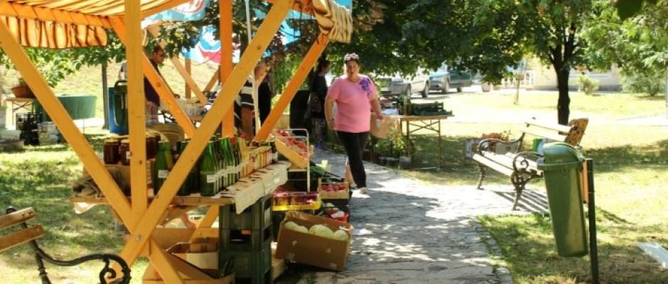 U Bosanskoj Krupi otvoren 8. sajam organske proizvodnje: Veliki broj izlagača i široka ponuda najpovoljnih i najnovijih proizvoda