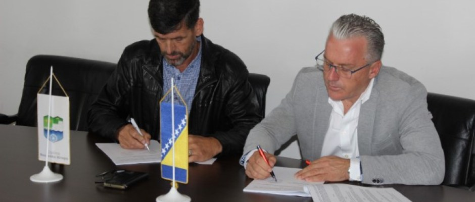 Potpisan ugovor za izgradnju dijela sekundarne vodovodne mreže za naselja Vrletnica i Beščića Brdo