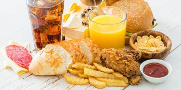 Cómo una mala nutrición contribuye a problemas digestivos