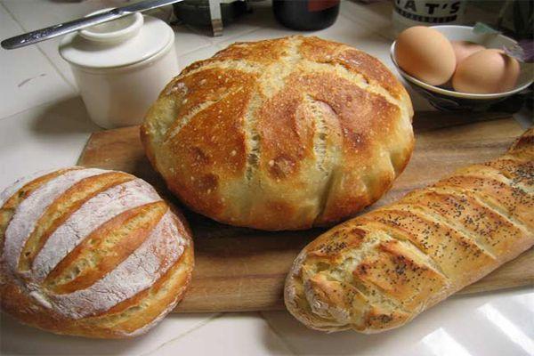 Comer pan causa hinchazón y otros problemas digestivos