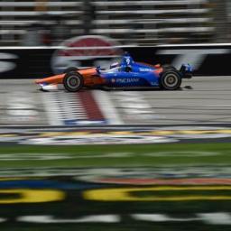 Dixon Leads Final Texas Practice