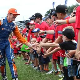 Scott Dixon halts silly season rumors; re-signs with Chip Ganassi Racing