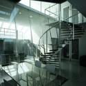 المشهد الزجاجي الحديث الدرج الداخلي