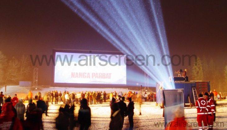 Open-Air Premiere