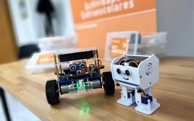 ¡Ya están aquí los kits de robótica para nuestros alumnos!