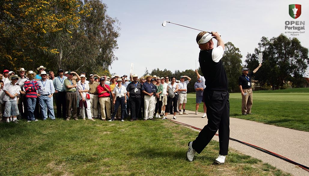 Paul Broadhurst out of the faiway but in the race to regain his title in the 2006 Open de Portugal.