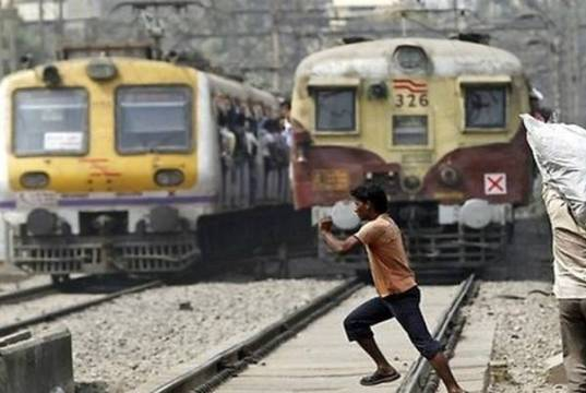 Railway remove unmanned crossing - Open EditorialRailway remove unmanned crossing - Open Editorial