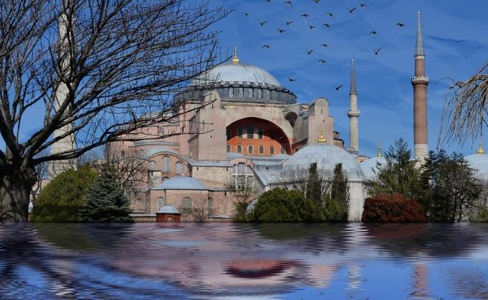 grand bazar, guide de voyage istanbul, istanbul, météo istanbul, mosquée bleue, palais, plage istanbul, que faire et voir à istanbul, la mosquee ayasofia