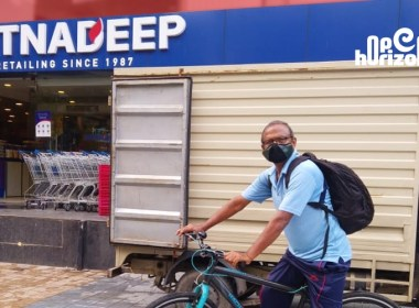 70-year-old-hyderabad-man-cycles-his-way-to-help-people