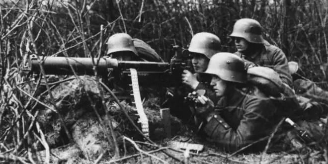 soldati-tedeschi-mitragliatrice-ww1-660x330