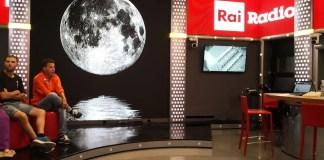 Occhio alla luna e a.. I Lunatici: porte aperte a Radio2