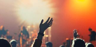 Il ritorno della musica italiana, tra degrado e sold out