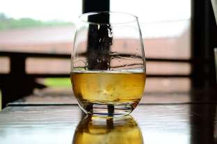 Large whisky dram. Pic credit: Sayot on Flickr