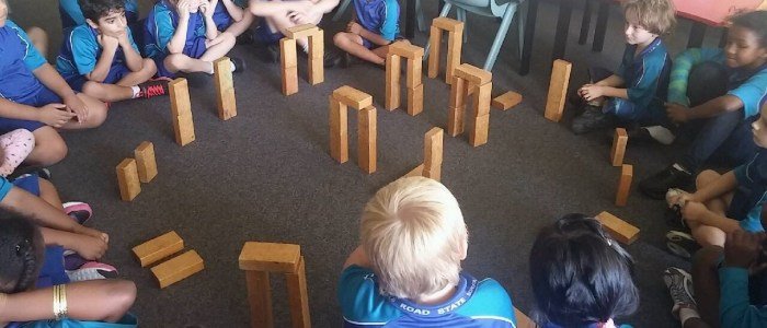 Year 1-3 Building Stonehenge Activity - OpenSTEM History/Geography program for Primary Schools