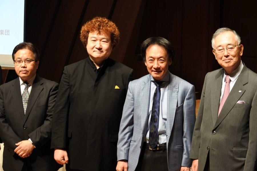 上岡敏之を音楽監督に迎え、進化を続ける新日本フィルの新シーズン。「映画で言えばハリウッドではなくヨーロッパのそれ」