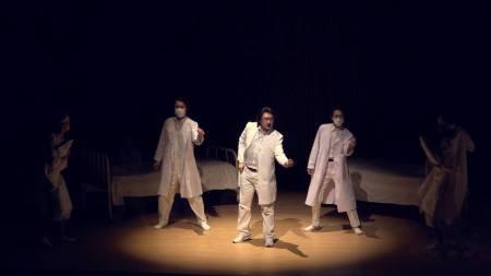 【公演レポート】コロナ禍の制約を逆手に取る!─オペラdeミルフィーユの《コジ・ファン・トゥッテ》