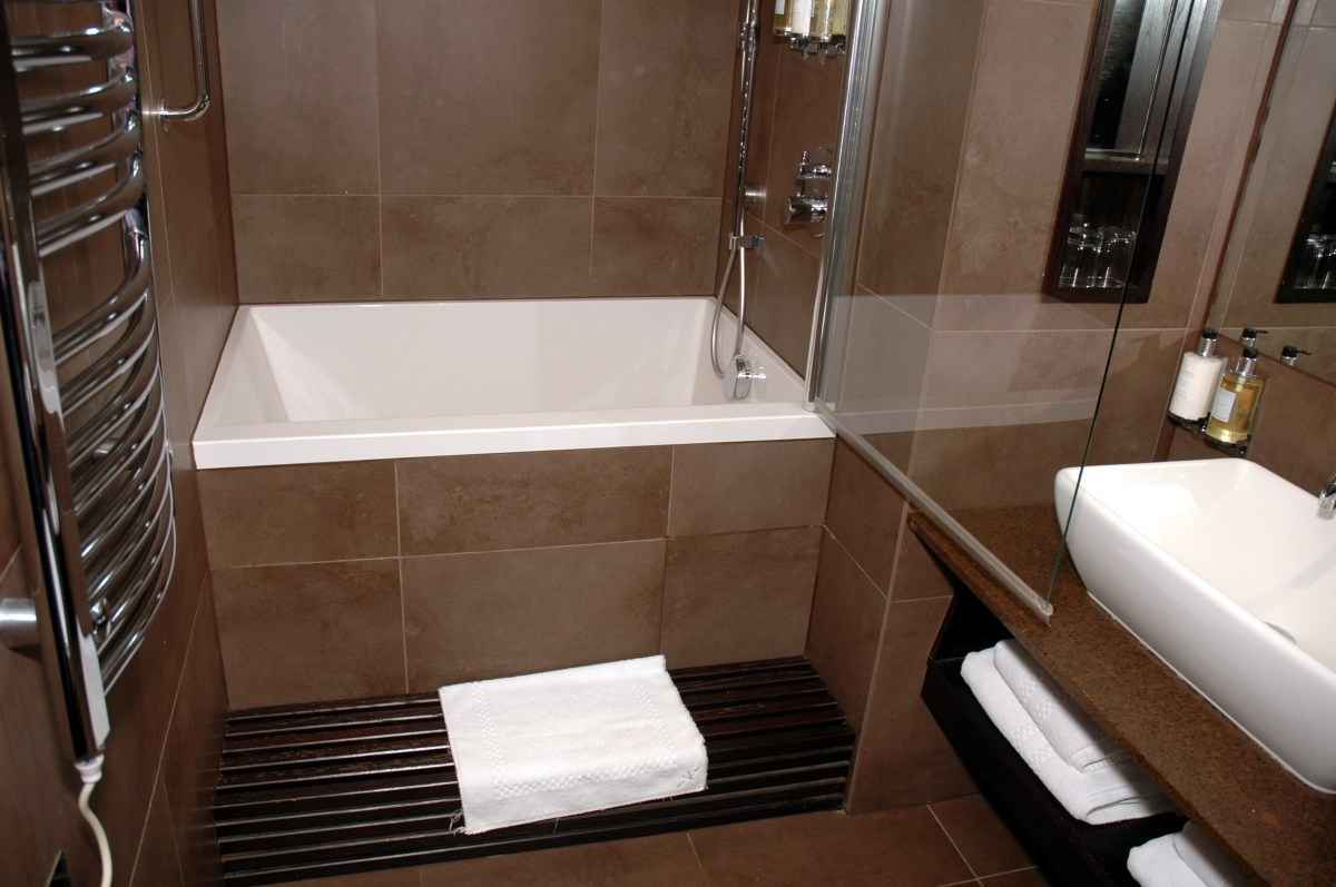 Bathroom Soaking Tubs For Small Bathrooms With Modern