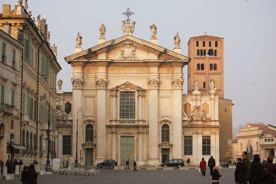 1024px-Duomo_di_Mantova