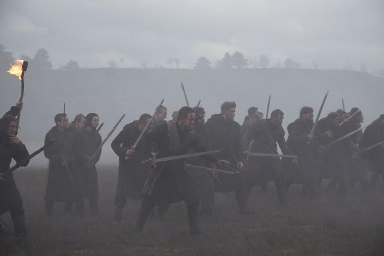 Heerführer Macbeth (Michael Fassbender) und seine Kämpfer