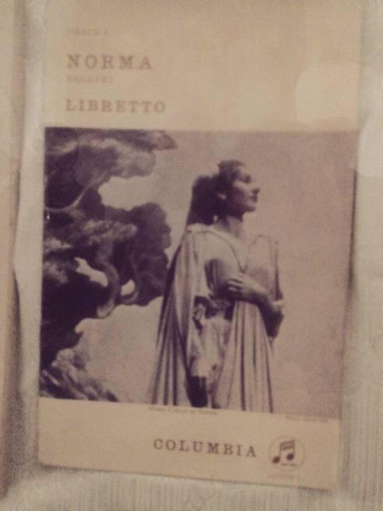 Il libretto di Norma con la foto della Callas