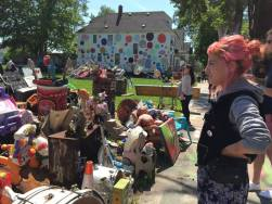 Went back to the Heidelberg Project, although it was the first visit for Noa, June and Hana. Powerful, somehow unfathomable.
