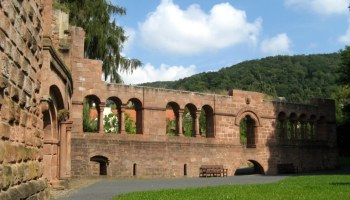The Jewish Cemetery in Gelnhausen – Operas and cycling and