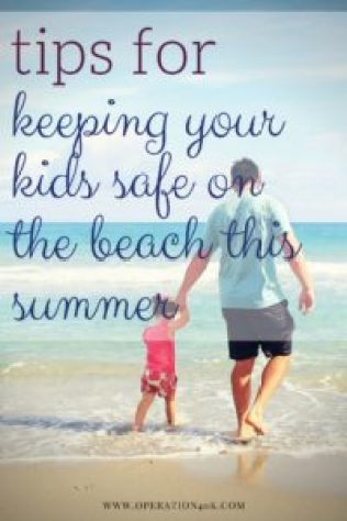 Tips For Keeping Your Kids Safe on the Beach This Summer