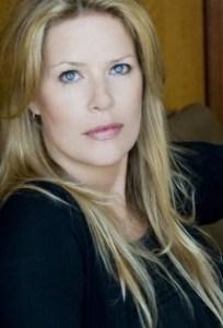 Mary Elizabeth McGlynn | Headshot