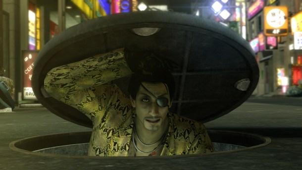 Yakuza Kiwami   Majima sneaking up on Kiryu from a manhole