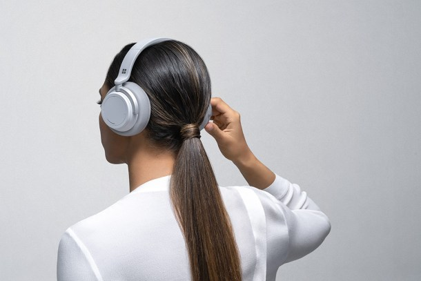 Surface Headphones | Turning