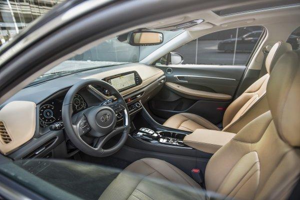 «Премиум-кореец уделает Toyota Camry?» Новый Hyundai Sonata оценили автоэксперты : АвтоМедиа : ВладТайм 1