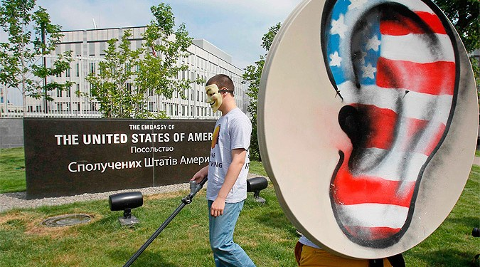 Спецслужбы США прослушивали разговоры 35 мировых лидеров