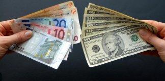 Нацбанк снизил официальный курс доллара США и евро