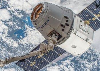Автомобиль компании SpaceX может занести на Марс земные бактерии 3