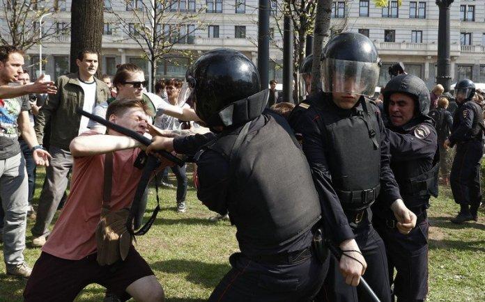 Вопиющая жестокость. Мировые СМИ об акциях протеста в России и их подавлении 1